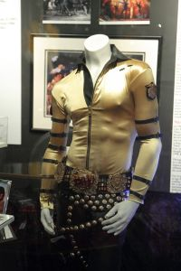 exhibit-michael-jackson-bad-3