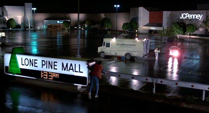 lone-pine-mall